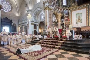 20160903-ordenacion-episcopal-nombramiento-obispo-arturo-ros-catedral-vgutierrez6473