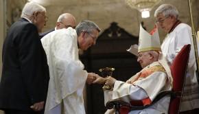 El cardenal arzobispo de Valencia, Antonio Cañizares, ha clausurado esta tarde el Año Jubilar del Santo Cáliz de la Misericordia en la diócesis de Valencia, en una misa solemne concelebrada por cinco obispos y cien sacerdotes en la Catedra. Valencia 13 Noviembre 2016. (Foto: AVAN // Alberto Sáiz)
